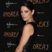 Ashley-greene-in-black