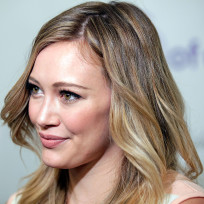 Hilary-duff-up-close