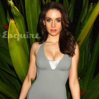 Alison-brie-cleavage-pic