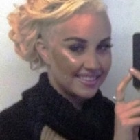 Amanda bynes shaves head