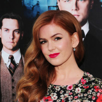 Isla-fisher-at-great-gatsby-premiere
