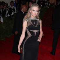 Taylor-swift-met-gala-dress