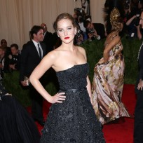 Jennifer-lawrence-met-gala-fashion