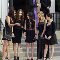 Pretty-little-liars-premiere-pic