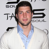 Tim-tebow-in-white