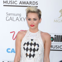 Miley-cyrus-at-billboard-music-awards