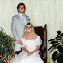 Brad-pitt-prom-photo