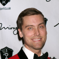 Lance-bass-in-a-tux