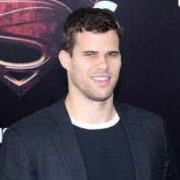 Kris-humphries-at-man-of-steel-premiere