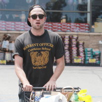 Robert Pattinson Shopping