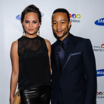 Chrissy teigen john legend photo