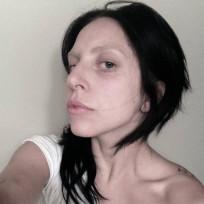 Lady Gaga No Makeup Selfie