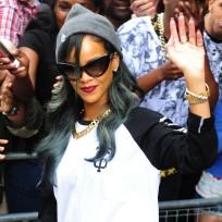 Rihanna-waving