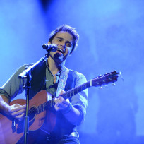 Kris-allen-for-the-troops