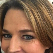 Which hair color do you prefer on Savannah Guthrie?