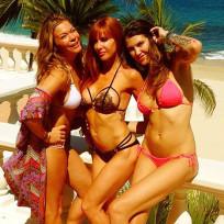 LeAnn Rimes Bikini Photograph