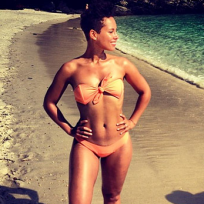 Alicia Keys Bikini Photo
