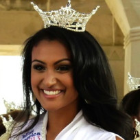 Nina-davuluri-photo