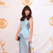 Zooey-deschanel-at-the-emmys