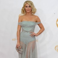 Julianne-hough-at-the-emmys