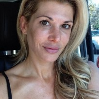 Alexis bellino no makeup