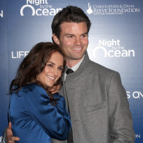 Daniel-gillies-and-rachel-leigh-cook