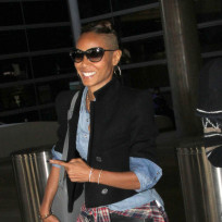 Jada-pinkett-smith-shaved-head