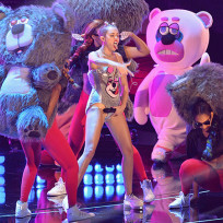 How do you feel about Miley Cyrus using little people in her performances?