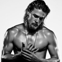 Charlie-hunnam-shirtless-photo