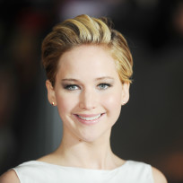 Jennifer-lawrence-at-catching-fire-premiere