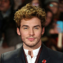 Sam-claflin-at-catching-fire-premiere