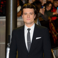 Josh-hutcherson-at-catching-fire-premiere