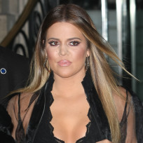 Do you like Khloe Kardashian as a blonde or as a brunette?
