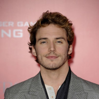 Sam claflin at catching fire la premiere