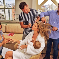 Gisele-bundchen-breastfeeding