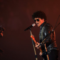 Bruno-mars-at-the-emas