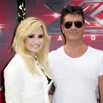 Demi-lovato-with-simon-cowell