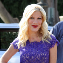 Tori Spelling in Purple