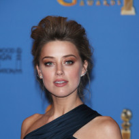 Amber Heard Red Carpet Pic