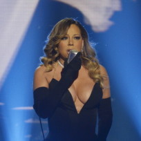 Mariah-carey-shows-major-cleavage