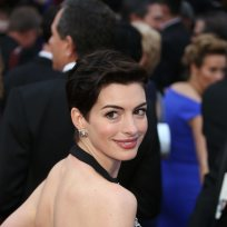 Anne-hathaway-at-the-oscars