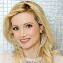 Do you prefer Holly Madison with blonde hair or red hair?