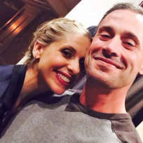 Sarah michelle gellar and freddie prinze jr selfie
