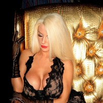 Courtney Stodden's HUGE Boobs