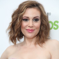Alyssa-milano-red-carpet-pic