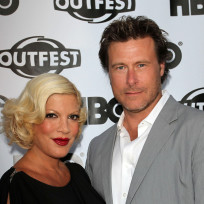 Tori-spelling-and-dean-mcdermott-red-carpet-image