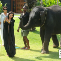 Kim-kardashian-and-an-elephant