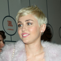 Miley Cyrus Blonde Bob Image