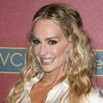 Taylor-armstrong-red-carpet-pose