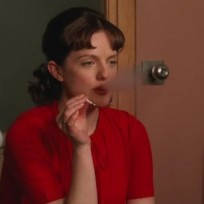 Peggy-olson-smokes-weed